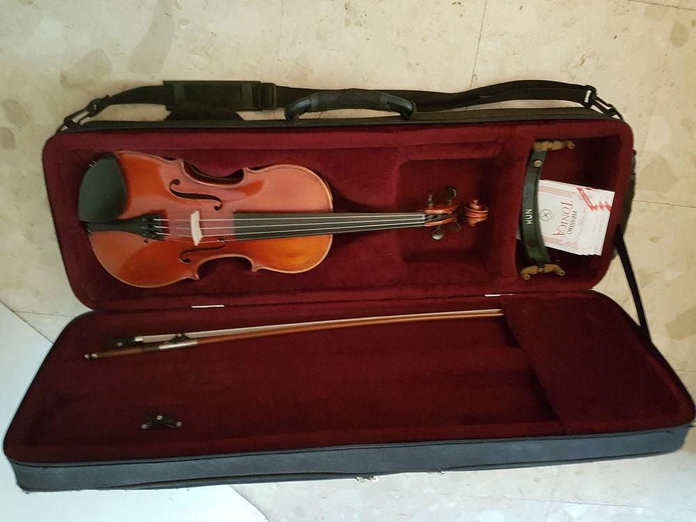 Violon entier modèle Stradivarius, excellent état 1250 Ivry-sur-Seine (94)