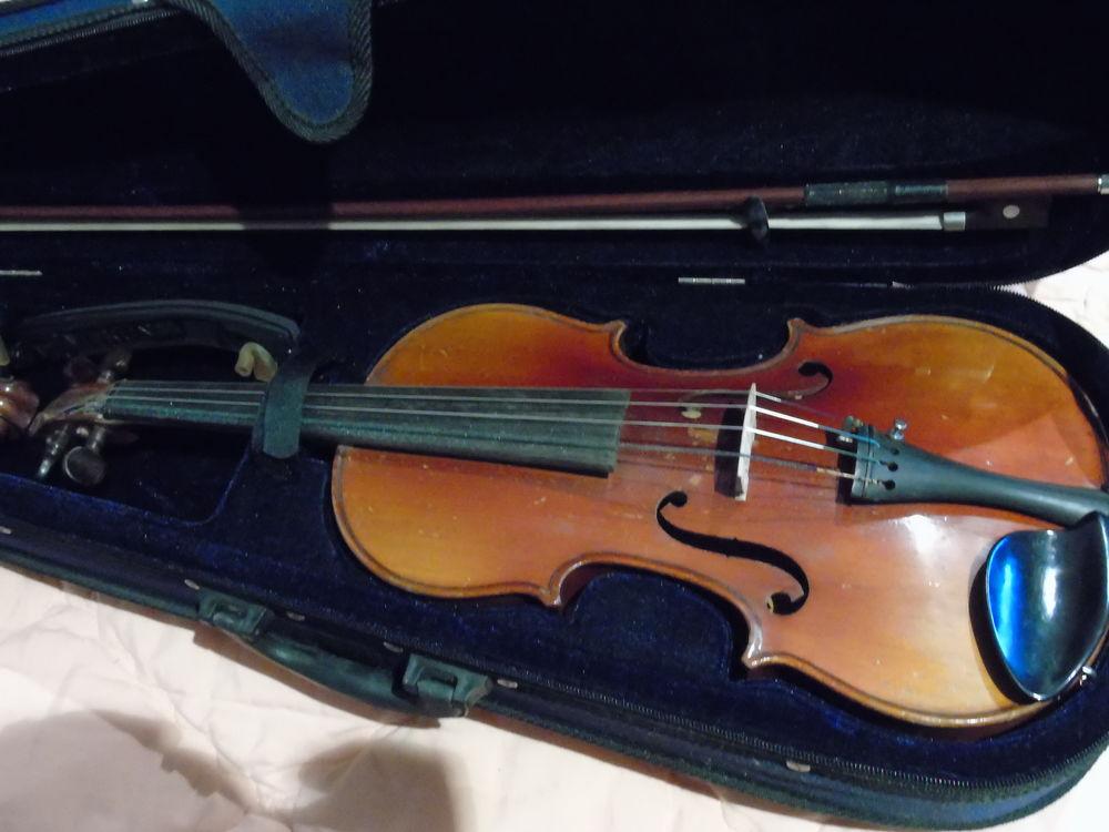 violon mirécourt année 30  500 Cerny (91)