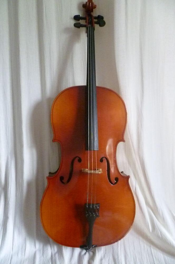 Violoncelle 1/2 très bon état 500 Paris 20 (75)