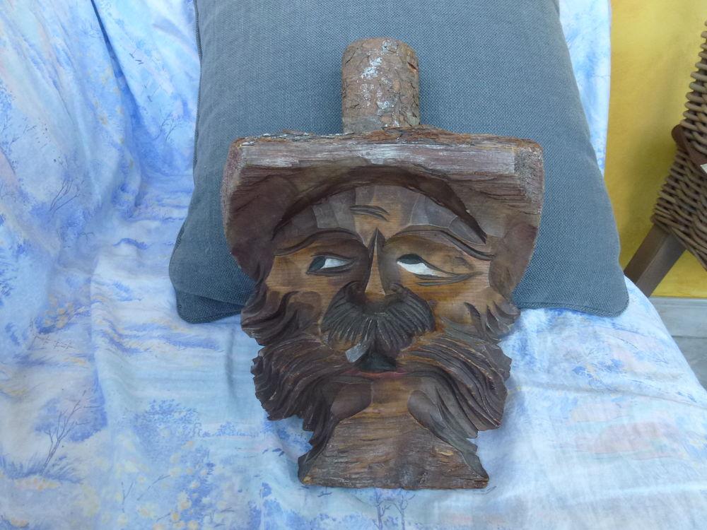 visage en bois 15 Toussus-le-Noble (78)