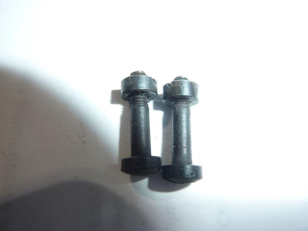 Vises de fixation des plaquettes baionnette Mauser 98k ww2 8 Villard-Bonnot (38)