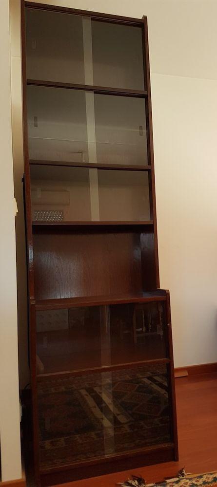 Vitrine avec vitres coulissantes. 150 Ambilly (74)