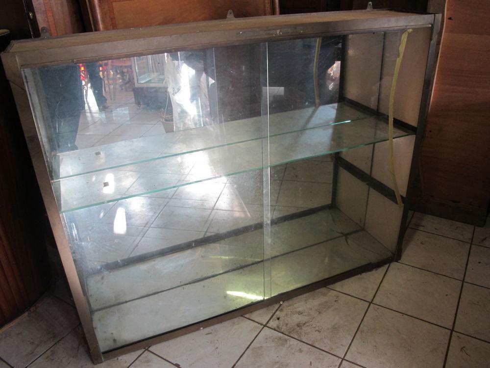 vitrines occasion m ru 60 annonces achat et vente de vitrines paruvendu mondebarras. Black Bedroom Furniture Sets. Home Design Ideas