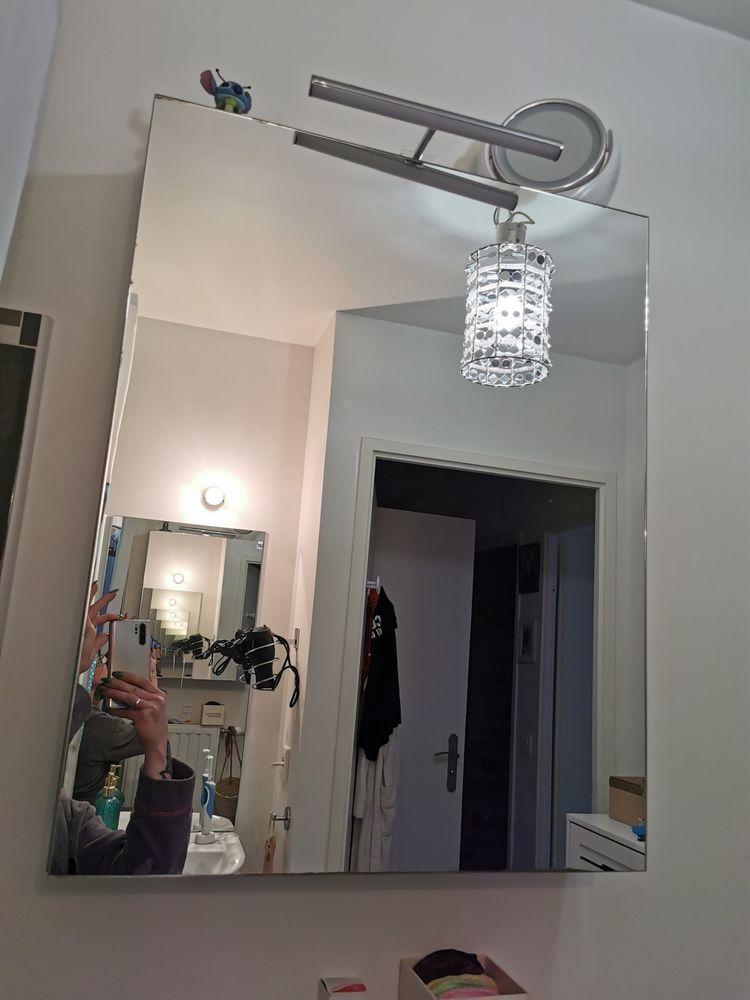 Vitrine de salle de bain avec miroir et rangement plus lumière au dessus 80 Trappes (78)