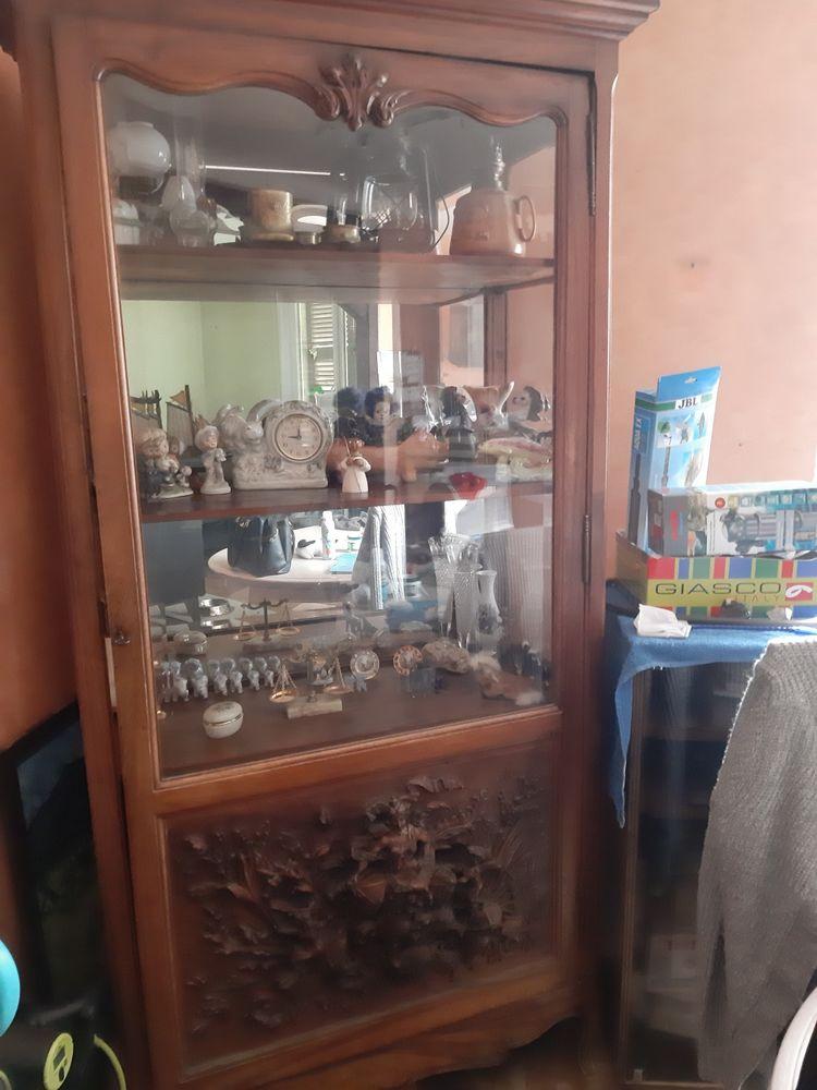 une vitrine  vaisselier 250 Mutzig (67)