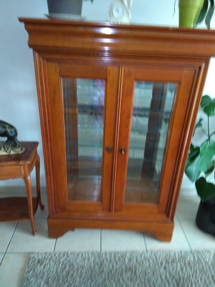 Achetez vitrine vends occasion annonce vente mont de for Garde meuble mont de marsan