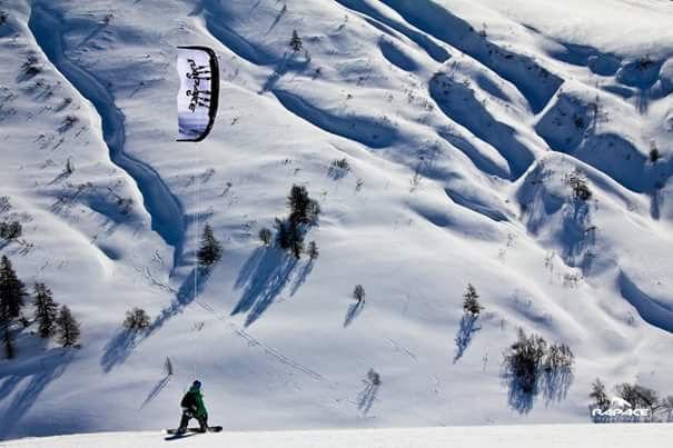 Voile de traction sur neige, Rapace kite 12m model chasta  550 Briançon (05)