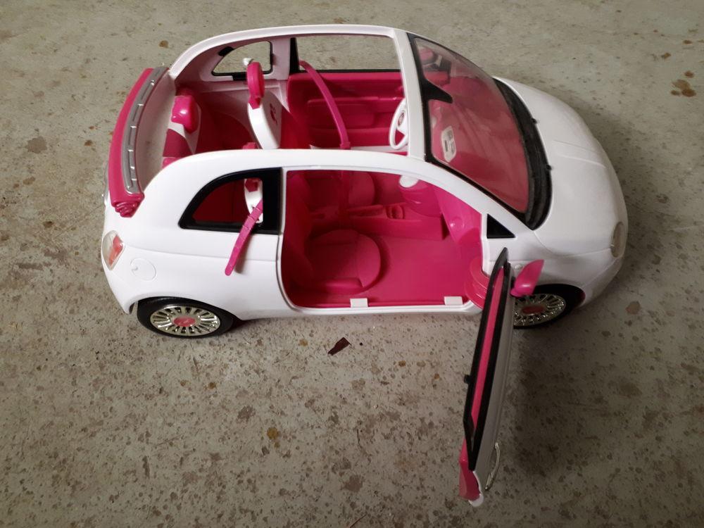 Voiture Barbie  20 Saint-Fargeau-Ponthierry (77)
