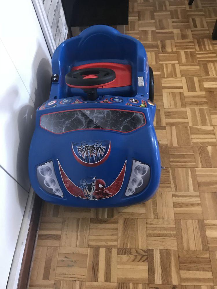 voiture electrique spiderman 12 volts  40 Paris 14 (75)