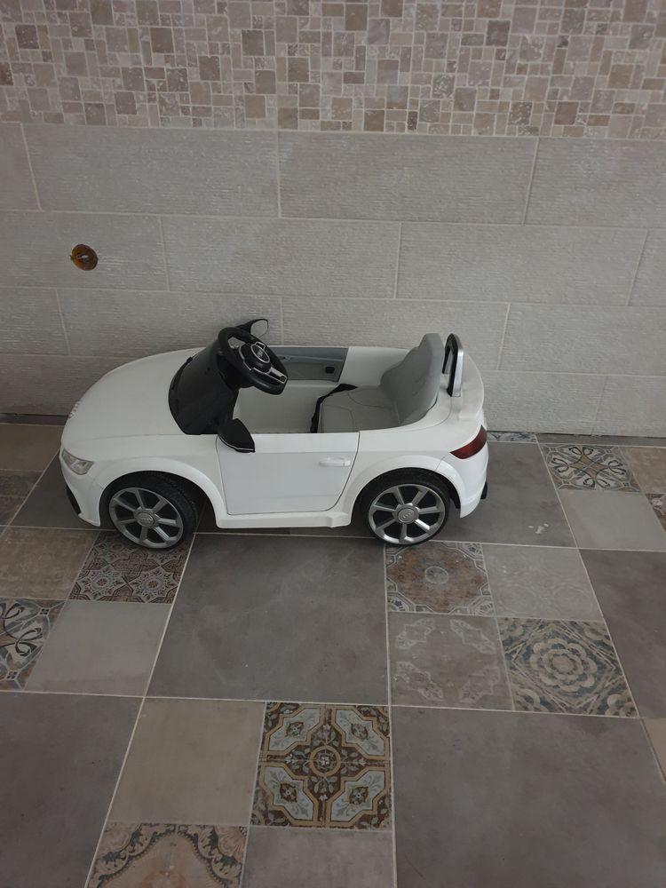 voiture élétrique pour enfant  100 Chelles (77)