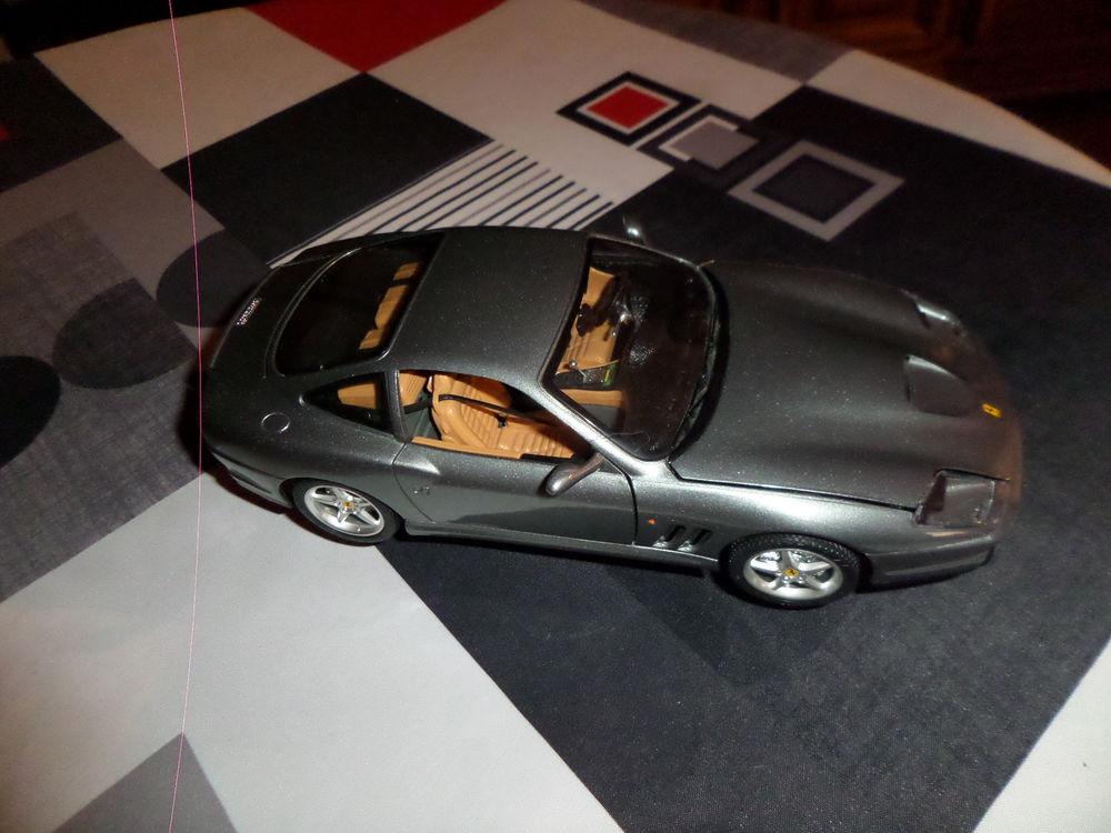 voiture Ferrari 550 maranello 1996 de marque  BURAGO  20 Ancenis (44)