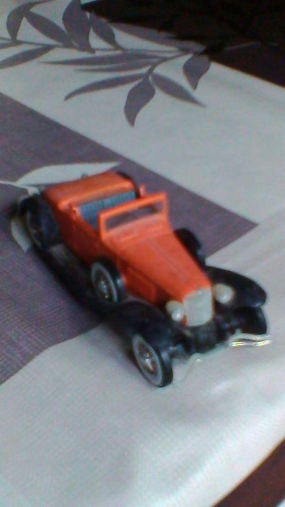 Voiture miniature Cord L29 5 Avermes (03)
