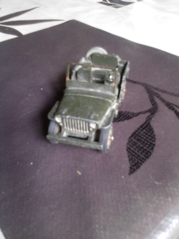 Voiture miniature jeep 80B dinky toys 30 Avermes (03)