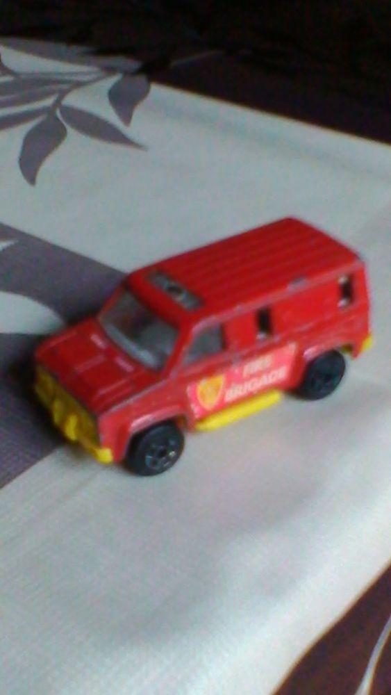 Voiture miniature pick up norev 4 Avermes (03)