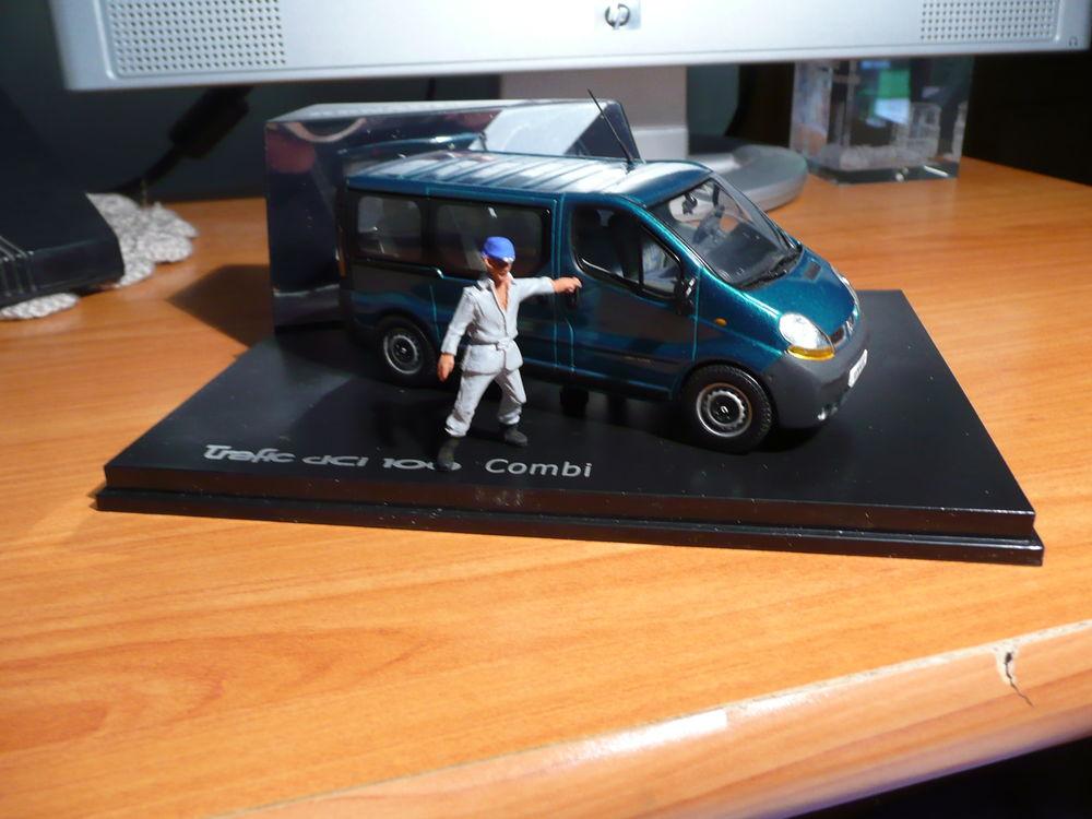 Voiture miniature 1/43 Renault Trafic Dci 100 Combi 20 Saint-Symphorien-d'Ozon (69)