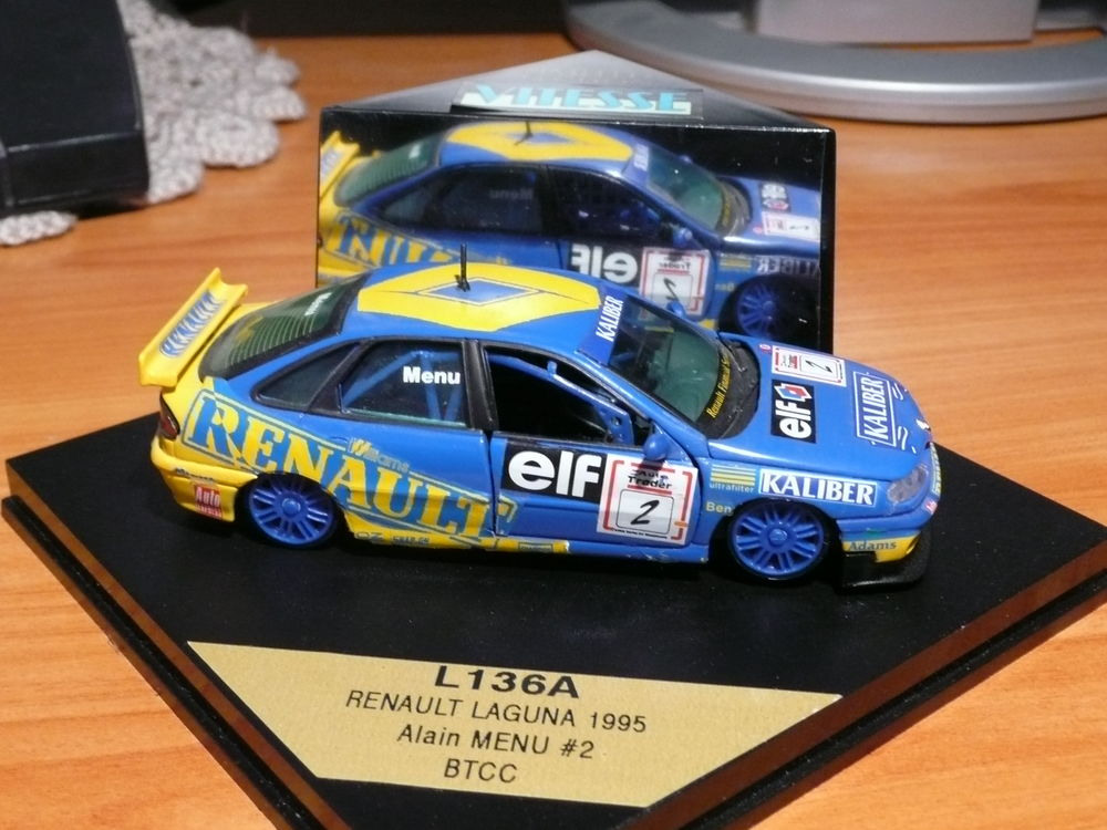 Voiture miniature 1/43 Renault Laguna 22 Saint-Symphorien-d'Ozon (69)