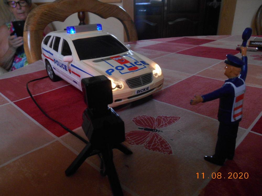 VOITURE POLICE DICKIE SPEELZEUG+RADAR+POLICIER 30 Vernon (27)