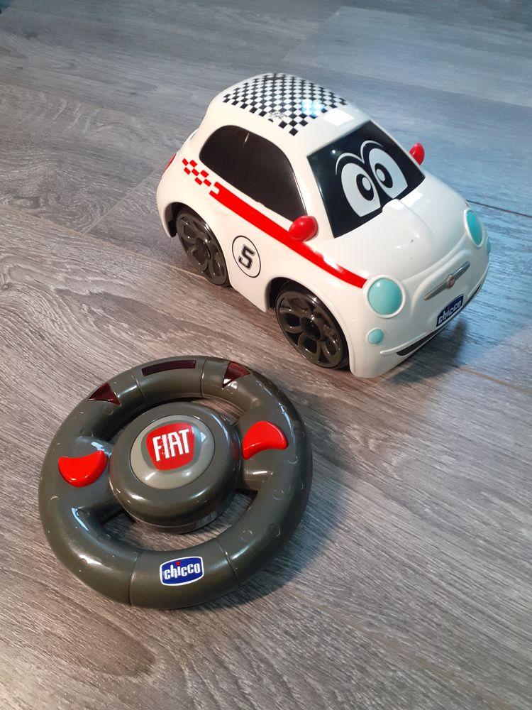 Voiture Radiocommandée Fiat 500 de 22 cm - Marque Chicco 12 La Ferté-Alais (91)