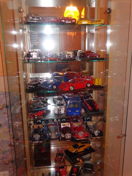 lot de voitures de collection 1/18 et 1/43 10 Besson (03)