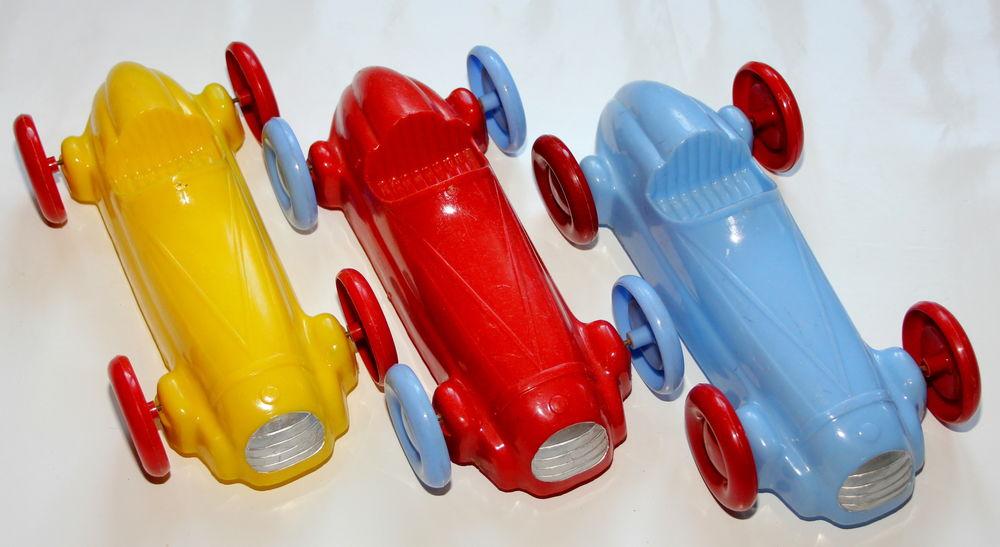 Voitures de course plastique dur année 50 50 Issy-les-Moulineaux (92)