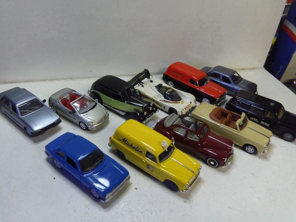 voitures miniatures occasion dans la loire 42 annonces achat et vente de voitures miniatures. Black Bedroom Furniture Sets. Home Design Ideas