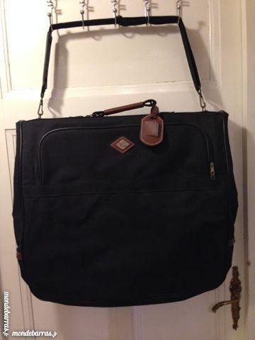 Achetez sac de voyage housse occasion, annonce vente à Montauban (82 ... 5c19fa40498