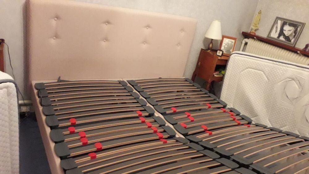 lit 160 x200 1 tête de lit ,avec 2 sommiers de 80x200 , 8 pieds de lit , mecanisme pour lever la tête et les pieds 1500 Courtry (77)