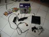 Xbox 360 250Go noire Kinect + jeux + 2 guitares 115 Lyon 7 (69)