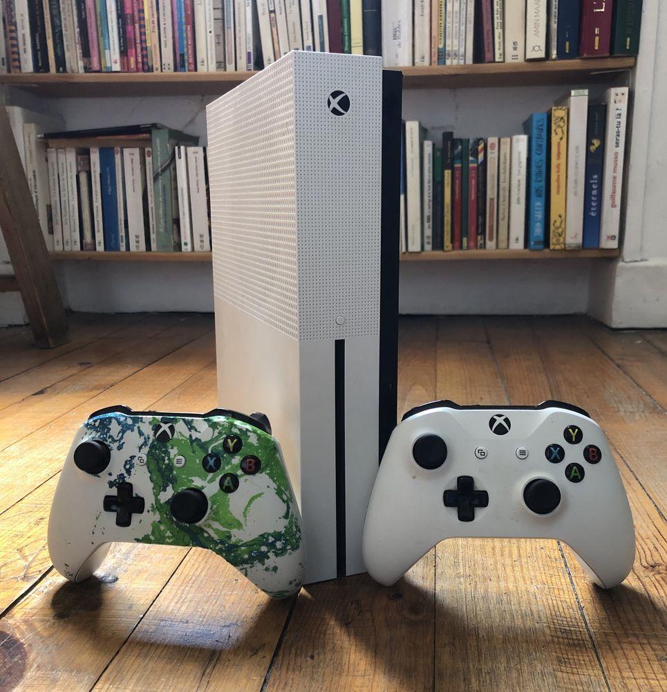 Xbox one s+9 jeux 370 Lyon 8 (69)