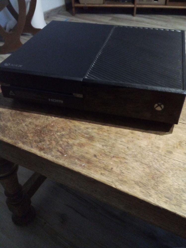 Xbox one + 2 manettes  250 Paris 1 (75)