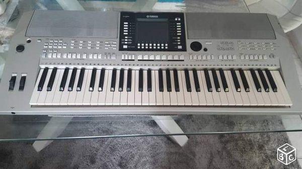 YAMAHA PSR S 710 tres bon etat Instruments de musique