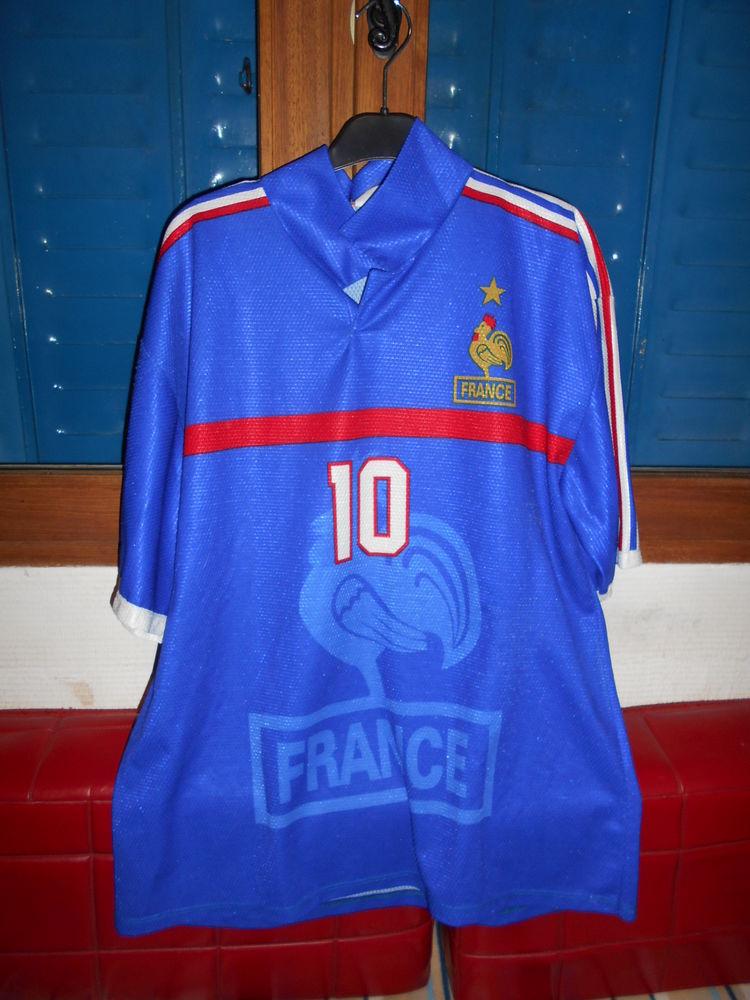 ZIDANE   tee-shirt 6 Grospierres (07)