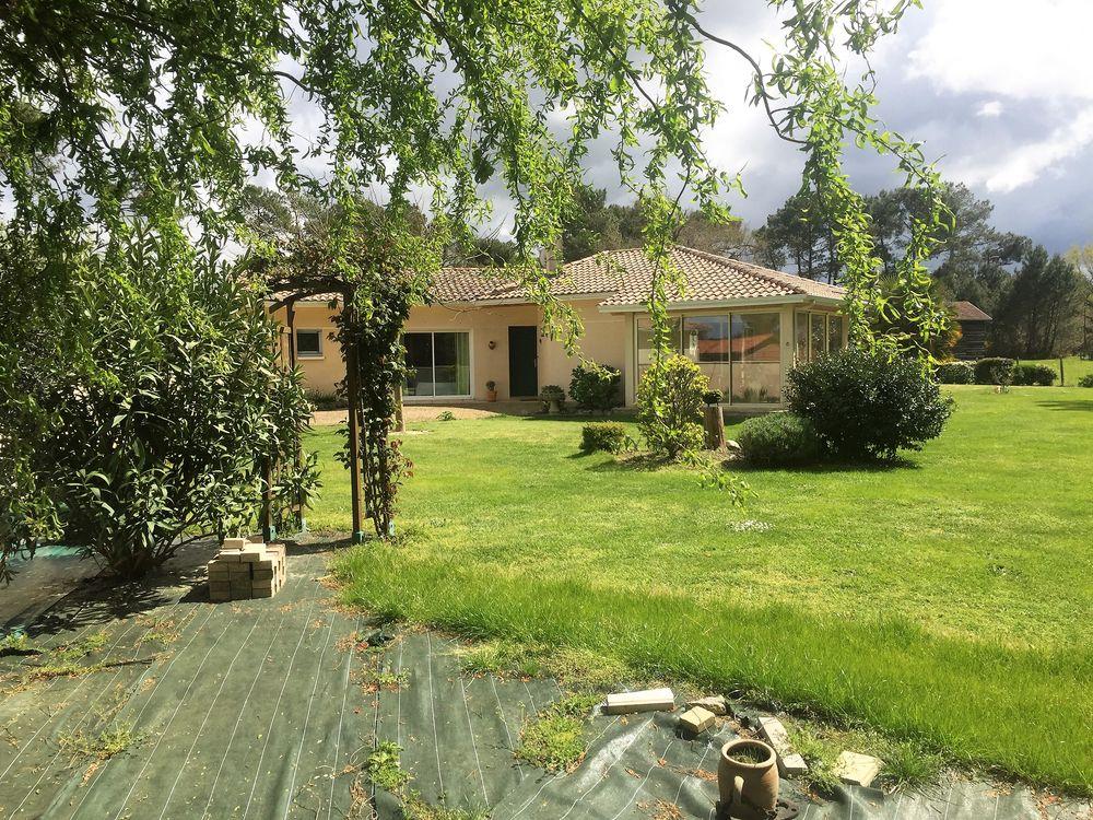 Vente Maison Villa 7 pièces 164m² plus dépendances  à Parentis-en-born