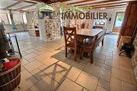 Vente Ferme Au calme, ferme mitoyenne rénovée de 200m² sur terrain de 1092m²  à Arbusigny