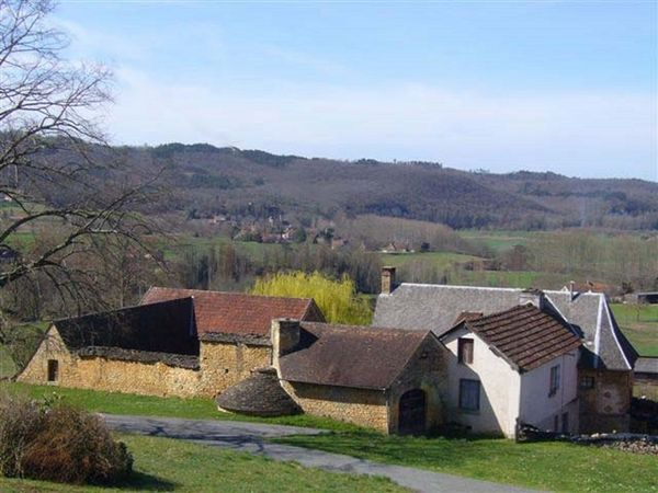Maison typique du Périgord, prés SARLAT et LASCAUX / 7 pers Vacances  / Offres de location