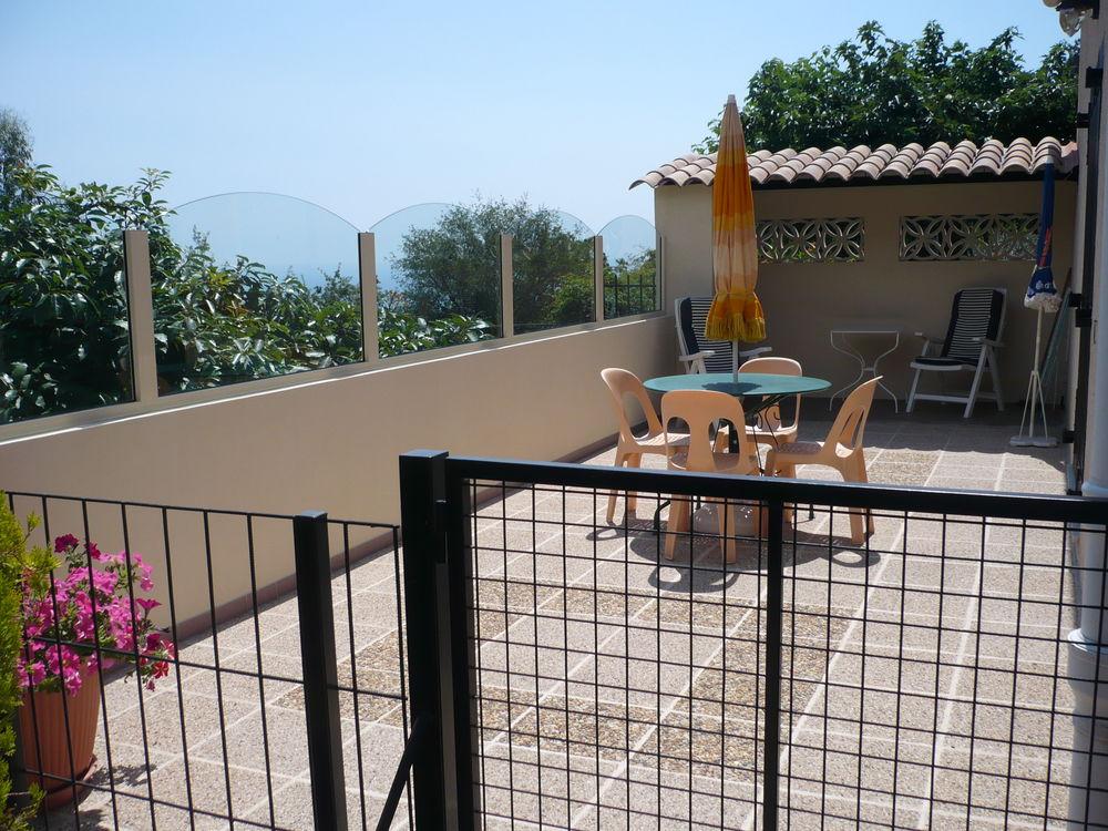 2 pièces rdc de villa,proche MENTON,parking abrité Provence-Alpes-Côte d'Azur, Menton (06500)