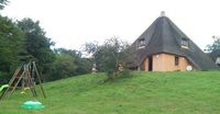 petite maison en chaume Limousin, Pérols-sur-Vézère (19170)