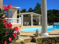 Pour bien remplir sa vie de vacancier. Languedoc-Roussillon, Vers-Pont-du-Gard (30210)