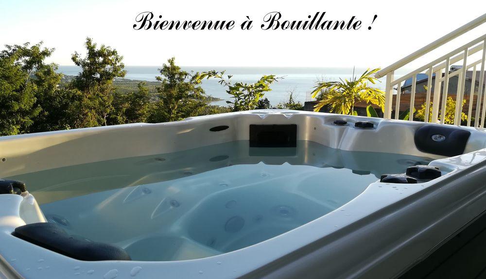 Studio 40m² superbe vue sur la Mer des Caraïbes et la forêt DOM-TOM, Bouillante (97125)