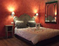 Suite romantique avec un SPA jacuzzi privé intérieur Provence-Alpes-Côte d'Azur, Éguilles (13510)