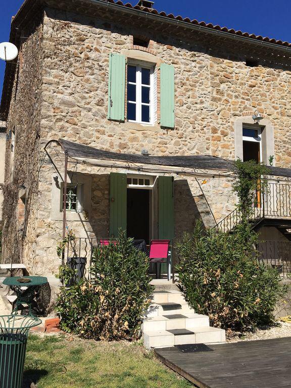 Gîte 2-3p. dans maison de charme au coeur d'un havre de paix Languedoc-Roussillon, Meyrannes (30410)
