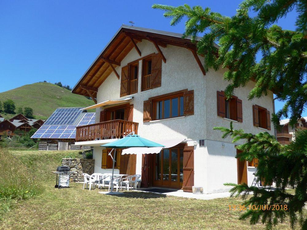 SKI AU SOLEIL AU PIED DES PISTES - STATION-VILLAGE FAMILIALE Rhône-Alpes, Albiez-Montrond (73300)