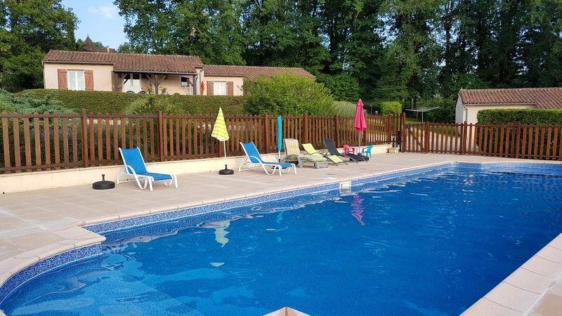 3 gites plain-pied avec piscine idéal groupes ou famille  Aquitaine, Savignac-les-Églises (24420)