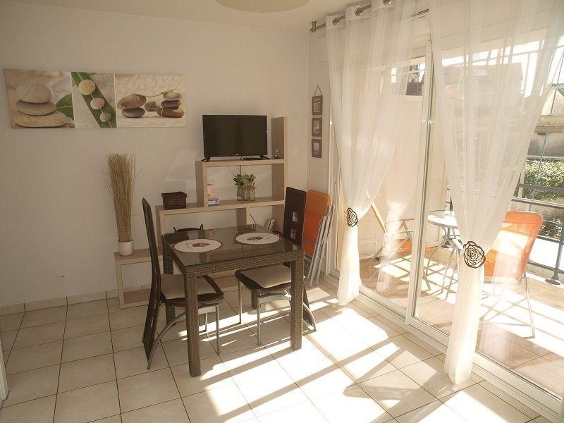 Location Appartement Cures studio **centre ville DAX  vacanciers étudiants  à Dax