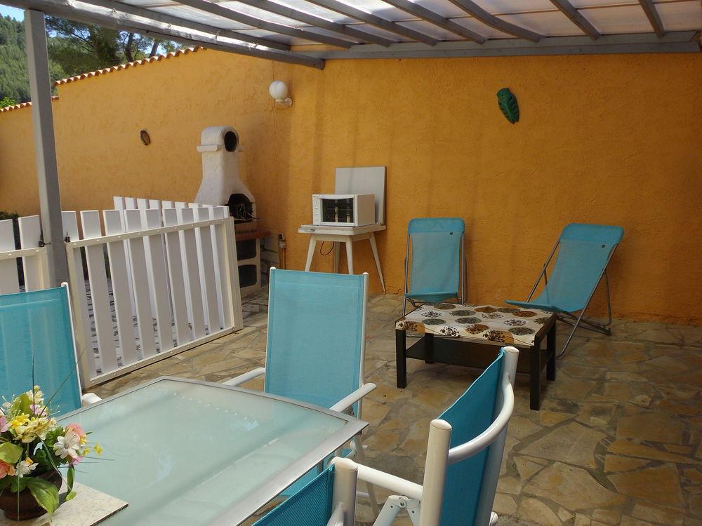 Location t2 meuble 1 a 2 pers toulon var rdc terrasse for Meuble t2l2