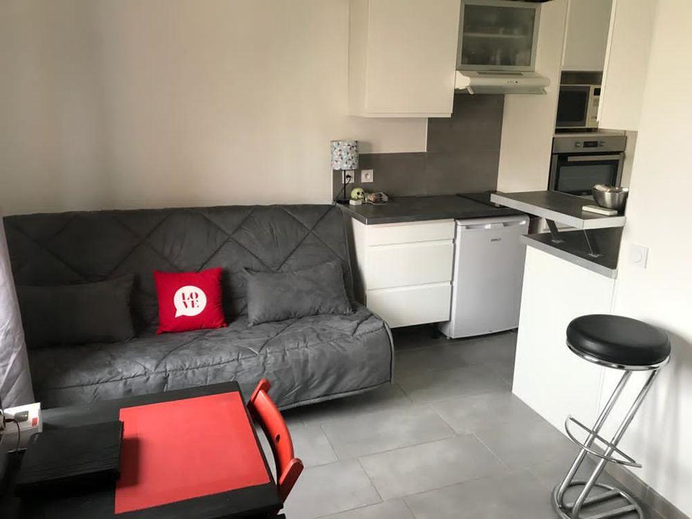 Location Studio Meublé Refait Neuflave Lingeclimp Dans Cour