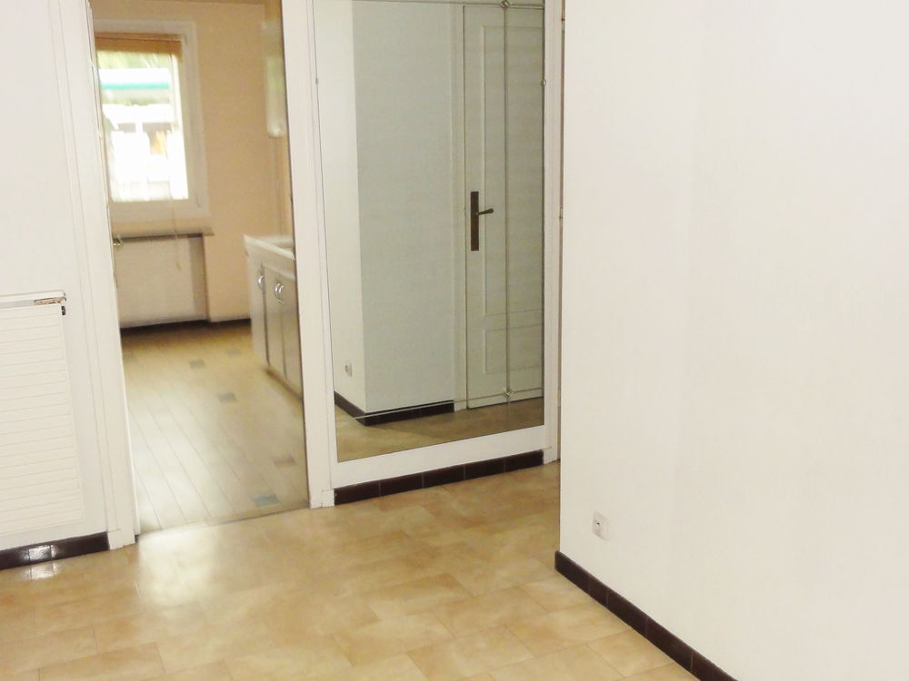 Location Appartement F3  65 M2 prox. EM LYON - MINES - IRUP  à Saint-etienne