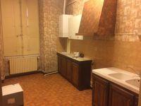 Location Appartement appartement rdc dans immeuble ancien 4 pièces 90 m2  à Autun