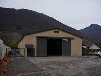Location Parking/Garage Locaux avec parking.. Arbin