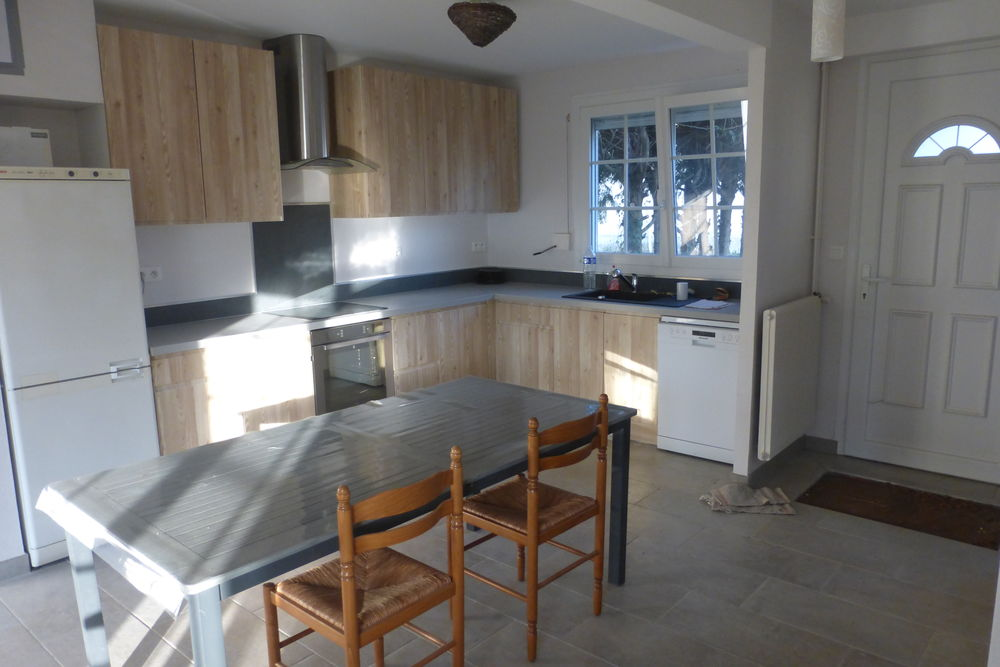Location Maison Maison F4 meublée, 77m2, garage cabane coin BBQ jardin 600m2  à Recy